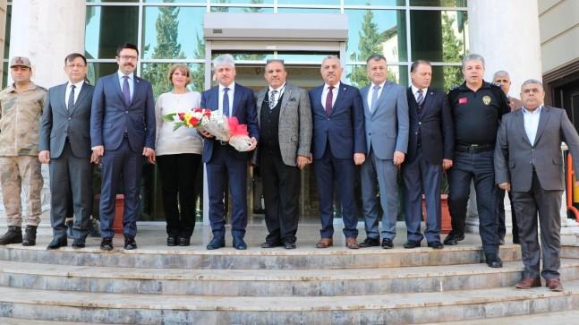 Vali Doğan, Reyhanlı Ticaret ve Sanayi Odası Meclis Toplantısına Katıldı