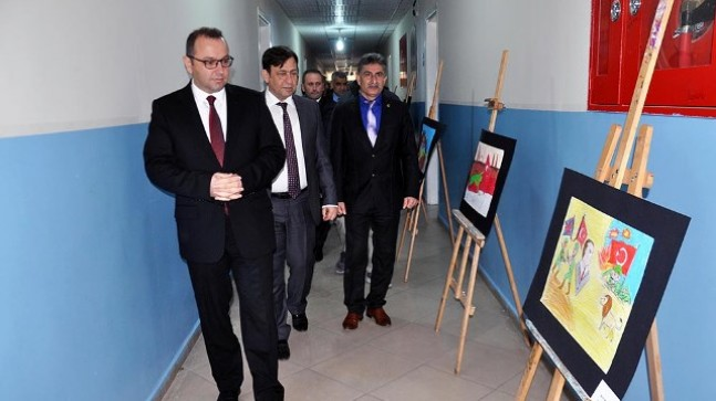 Suriyeli öğrencilerden  Çanakkale Zaferi kutlaması