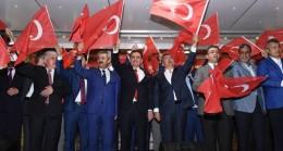 """""""Tek Vatan, Tek Bayrak, Tam Demokrasi"""" Hatay'da Demokrasi ve Şehitler Mitingi Coşku Dolu Anlar Yaşattı"""