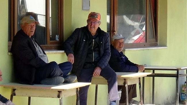İçişleri Bakanlığı'ndan 65 yaş üstü için flaş karar: Dışarı çıkmaları sınırlandırıldı