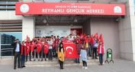 Asker selamı vererek  Mehmetçiğe destek oldular