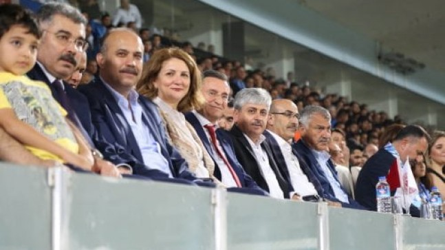 VALİ DOĞAN, HATAYSPOR'U YALNIZ BIRAKMADI