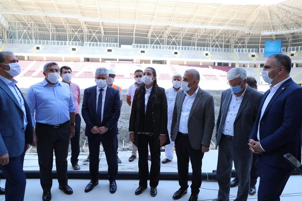 Vali Doğan Hatay Milletvekilleri ile Birlikte Hatay Stadyumunu İnceledi