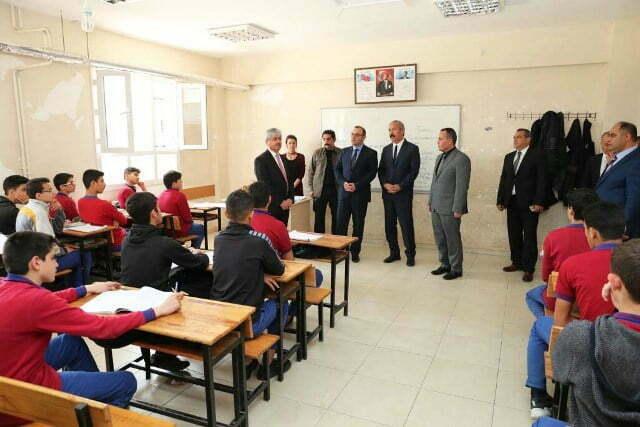 Vali Doğan Geçici Eğitim Merkezini İnceledi