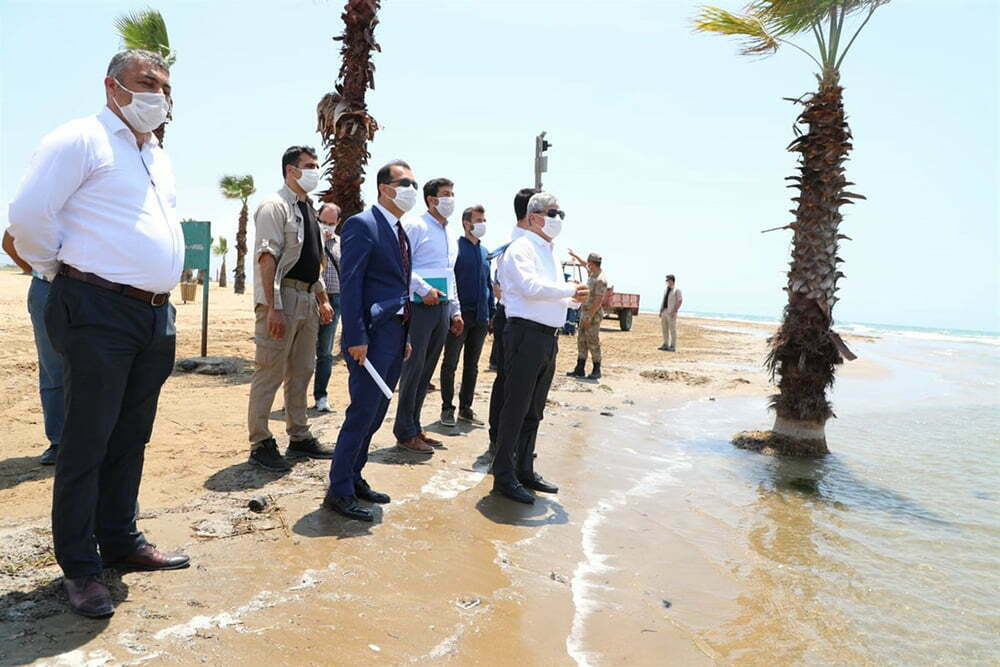 Vali Doğan Burnaz Plajı'nda İncelemelerde Bulundu