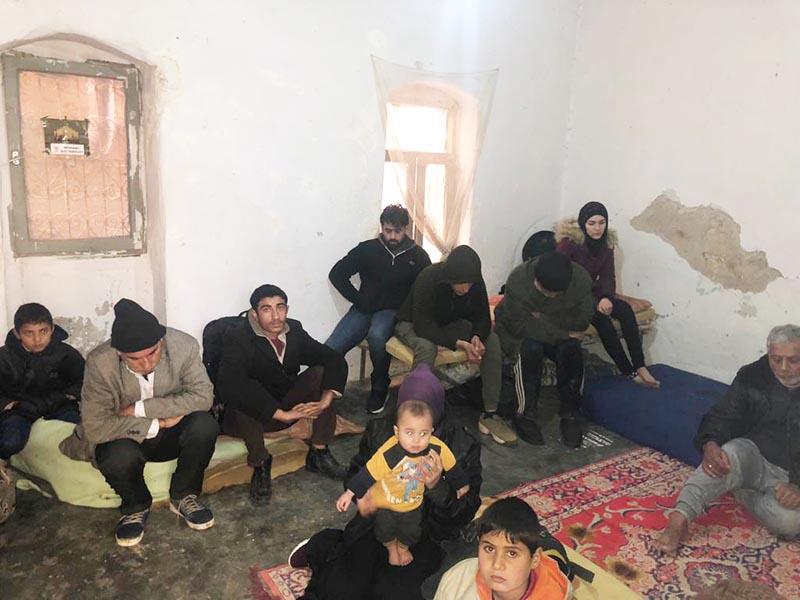 Hemşerilerini Türkiye'ye para karşılığı kaçak yolla getiren  6 Suriyeli tutuklandı
