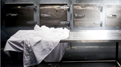 Cenaze defin işlemlerinde koronavirüs tedbiri