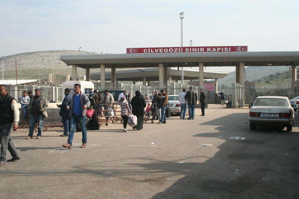 Cilvegözü Sınır Kapısı Ülkesine Dönmek İsteyenlere Açıldı