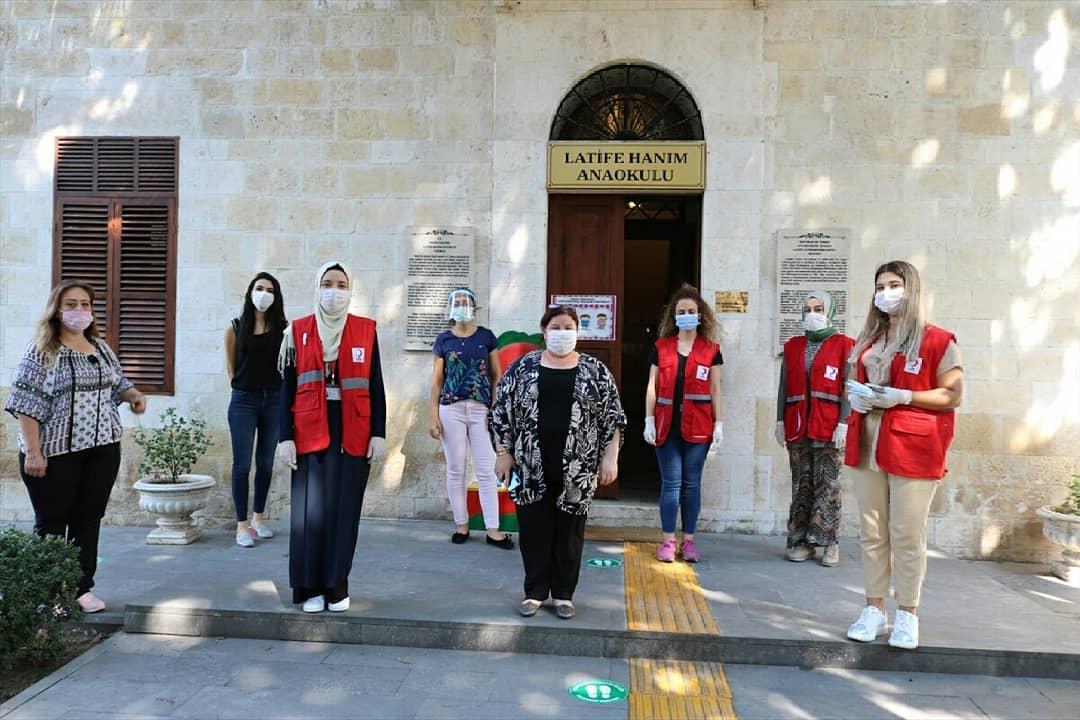 3 bin öğrenciye maske ve eğitim seti