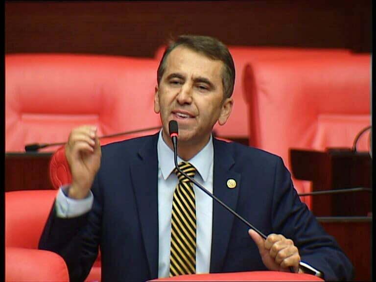 CHP'li Serkan TOPAL'dan Sağlık Bakanına çağrı: SAĞLIK'TA ATAMA KILAVUZUNU BİR AN ÖNCE YAYINLAYIN