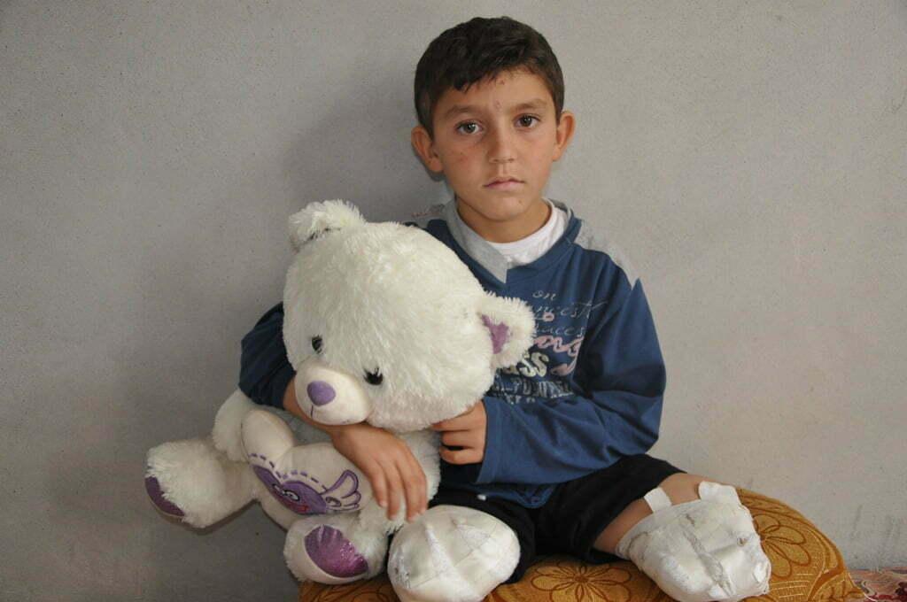 İki bacağı kopan Abdulbasit'in hayali çocuk doktoru olmak