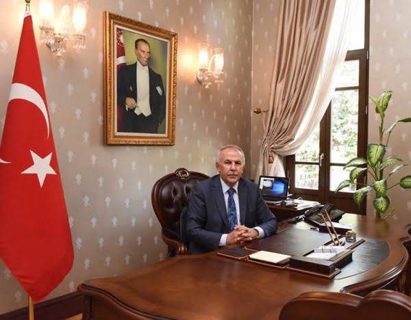 """Vali Ata, """"Atatürk, Dünyanın En Önemli Liderlerinden Biridir"""""""