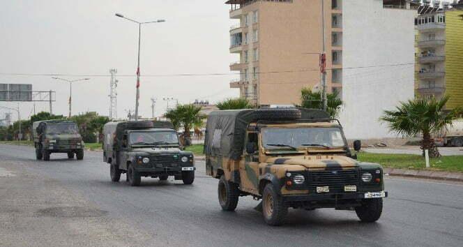 Hatay sınırına askeri personel sevkiyatı sürüyor