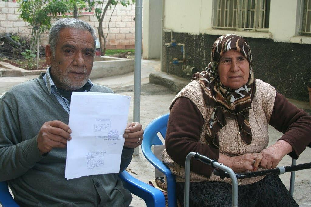 Kıbrıs'a Alınmayan Yaşlı Adamın Evlat-Torun Hasreti