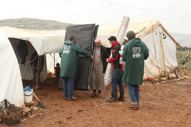 İHH İdlib'te bin 500 aileye kış yardımı yaptı