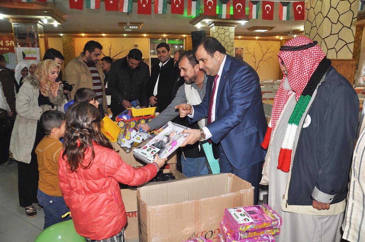 Kuveyt Derneği'nden Suriyeli 150 yetime  200'er lira harçlık