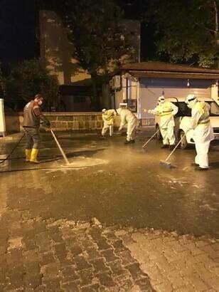 Reyhanlı'da Cadde ve sokaklar  gece dezenfekte edildi
