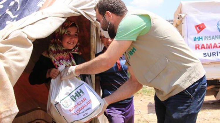 Afrin'de, 20 bin sivile ramazan için gıda yardımı