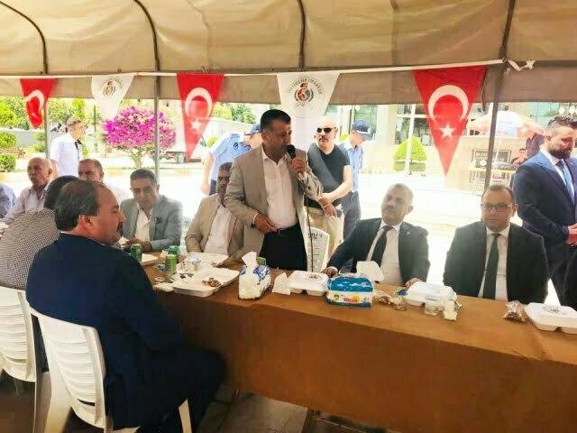 Reyhanlı ve Kumlu'da protokol  vatandaşlarla bayramlaştı