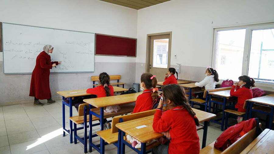 Reyhanlı Eğitim Köyü'nde, Suriyeli savaş mağduru öğrenciler yüz yüze eğitime başladı