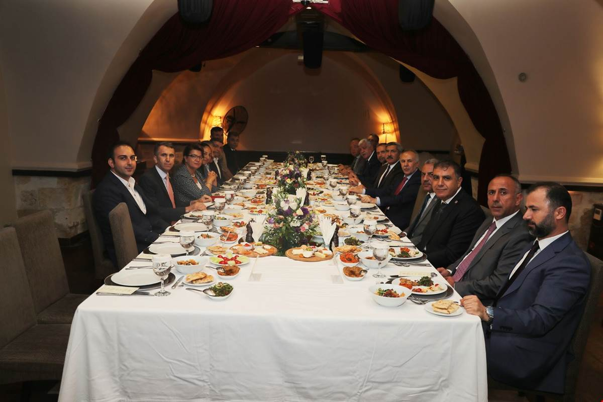 Vali Erdal Ata Hatay Milletvekilleri  ile Buluştu
