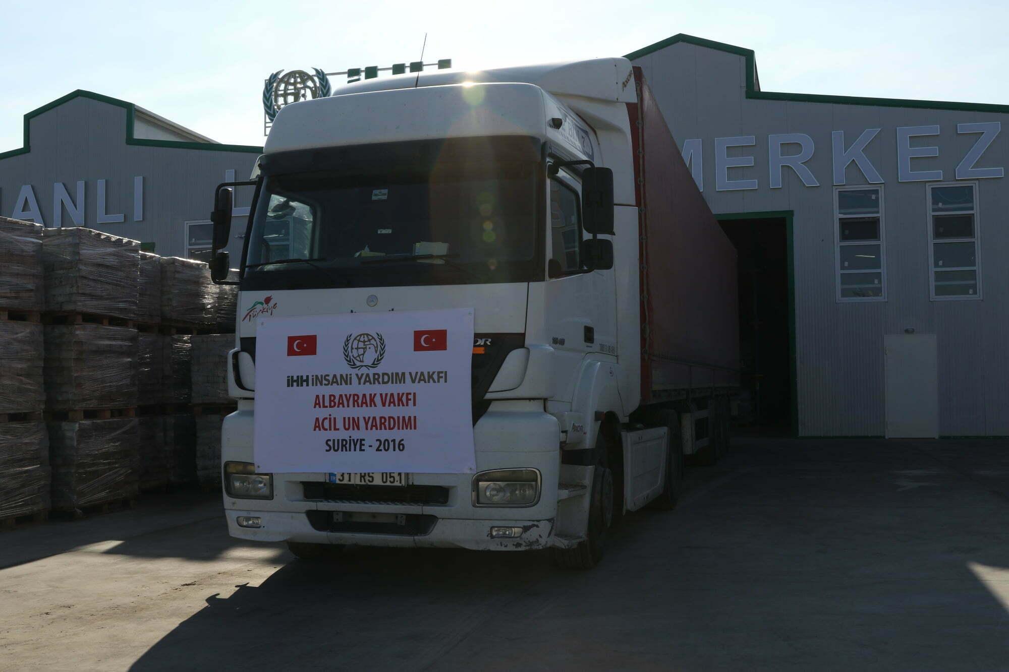 İHH'dan Suriye'ye 2 bin ton un