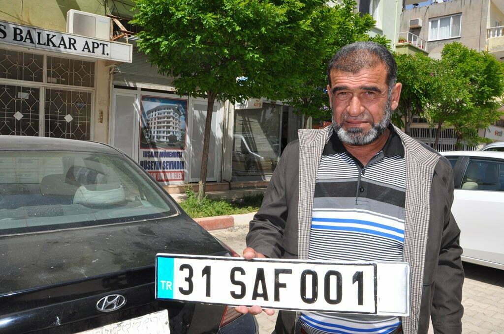 Suriyeliler'e Geçici Türk Plakası Verilmeye Başlandı