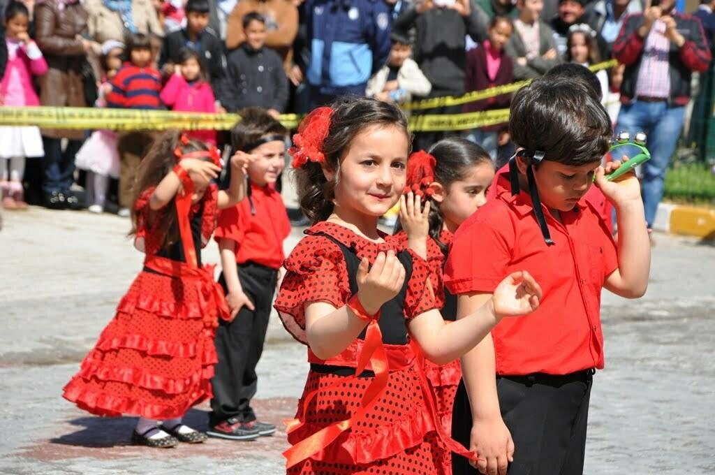 Reyhanlı'da 23 Nisan Törenlerle Kutlandı