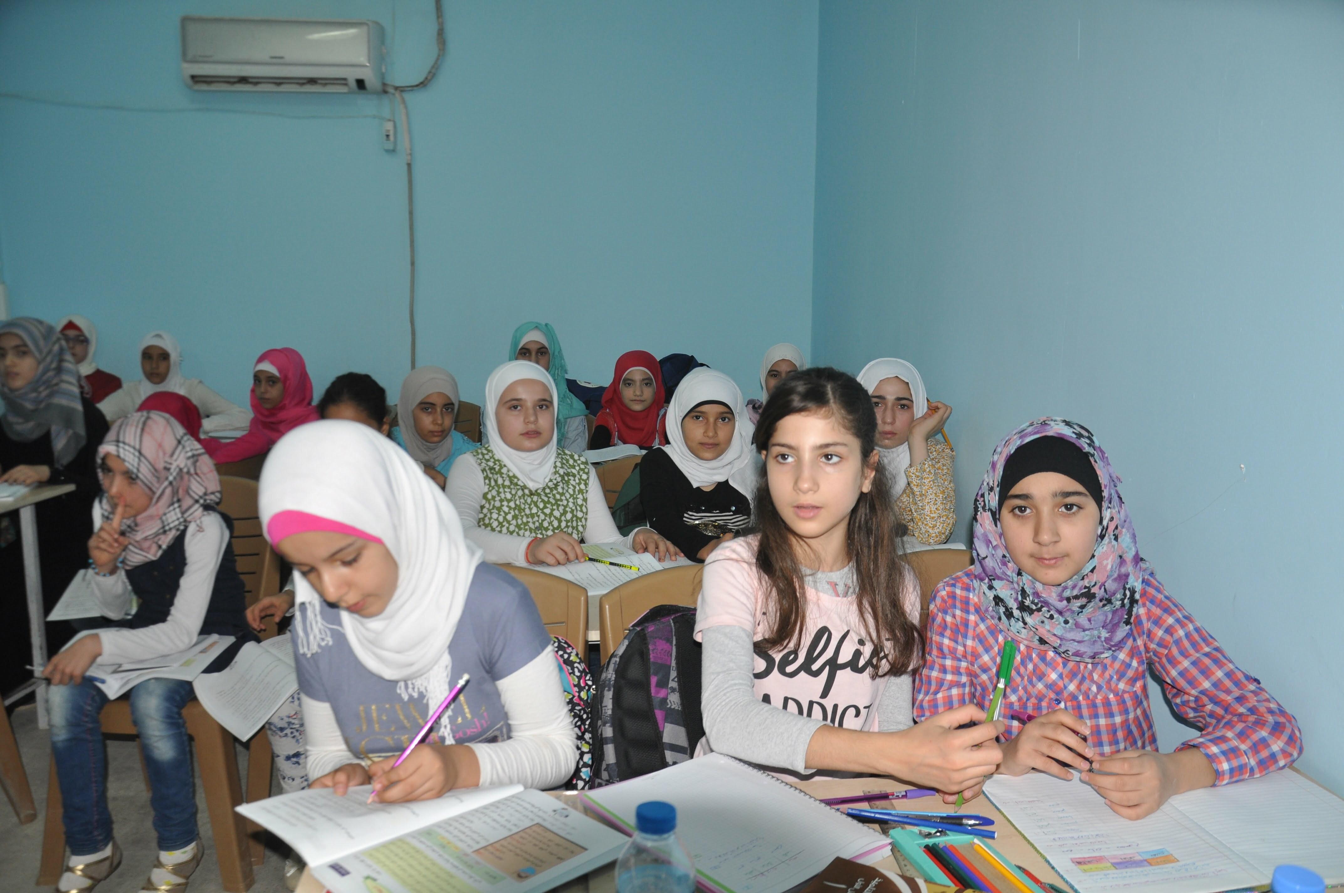 25 Bin Türk, 10 Bin Suriyeli Öğrenci Eğitim Görüyor