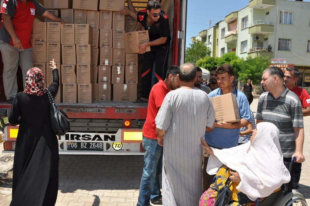 Kızılay Derneği'nden Suriyelilere yardım paketi