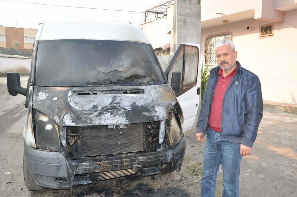 Reyhanlı'da 10 araç kundaklandı