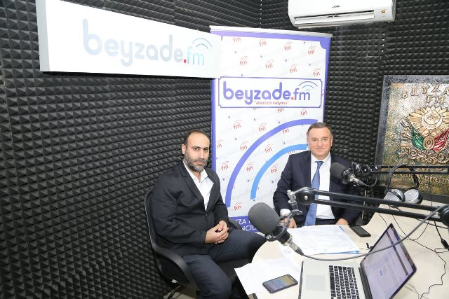 BAŞKAN SAVAŞ BEYZADE FM'E KONUK OLDU