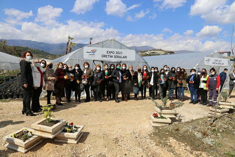 HATAY'IN ÜRETKEN KADINLARI EXPO SERALARINI ZİYARET ETTİ