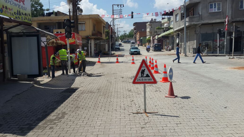 Reyhanlı'da Trafik Lambalarının Bakım Ve Onarımı Yapılıyor