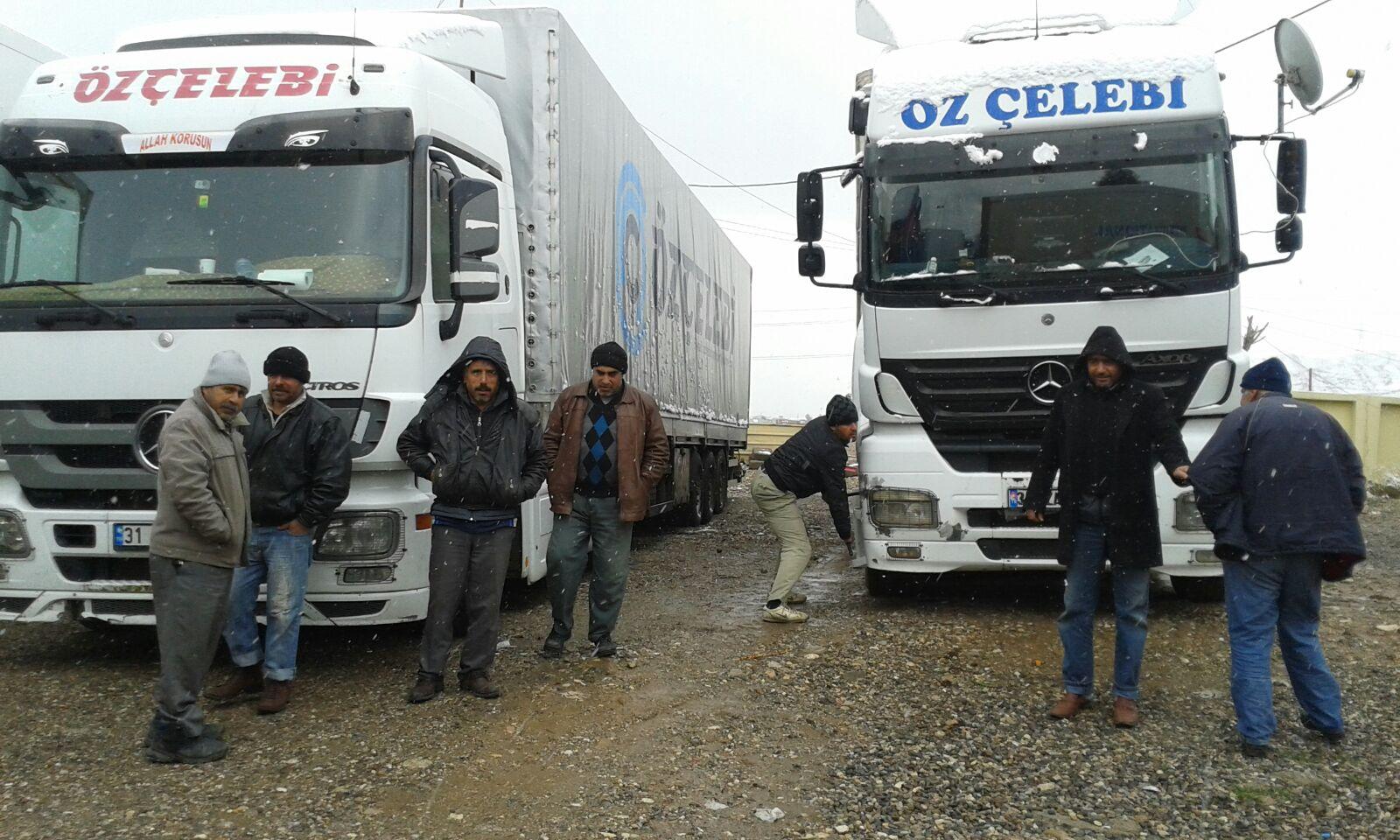 Türk TIR şoförleri Irak'ta mahsur kaldı