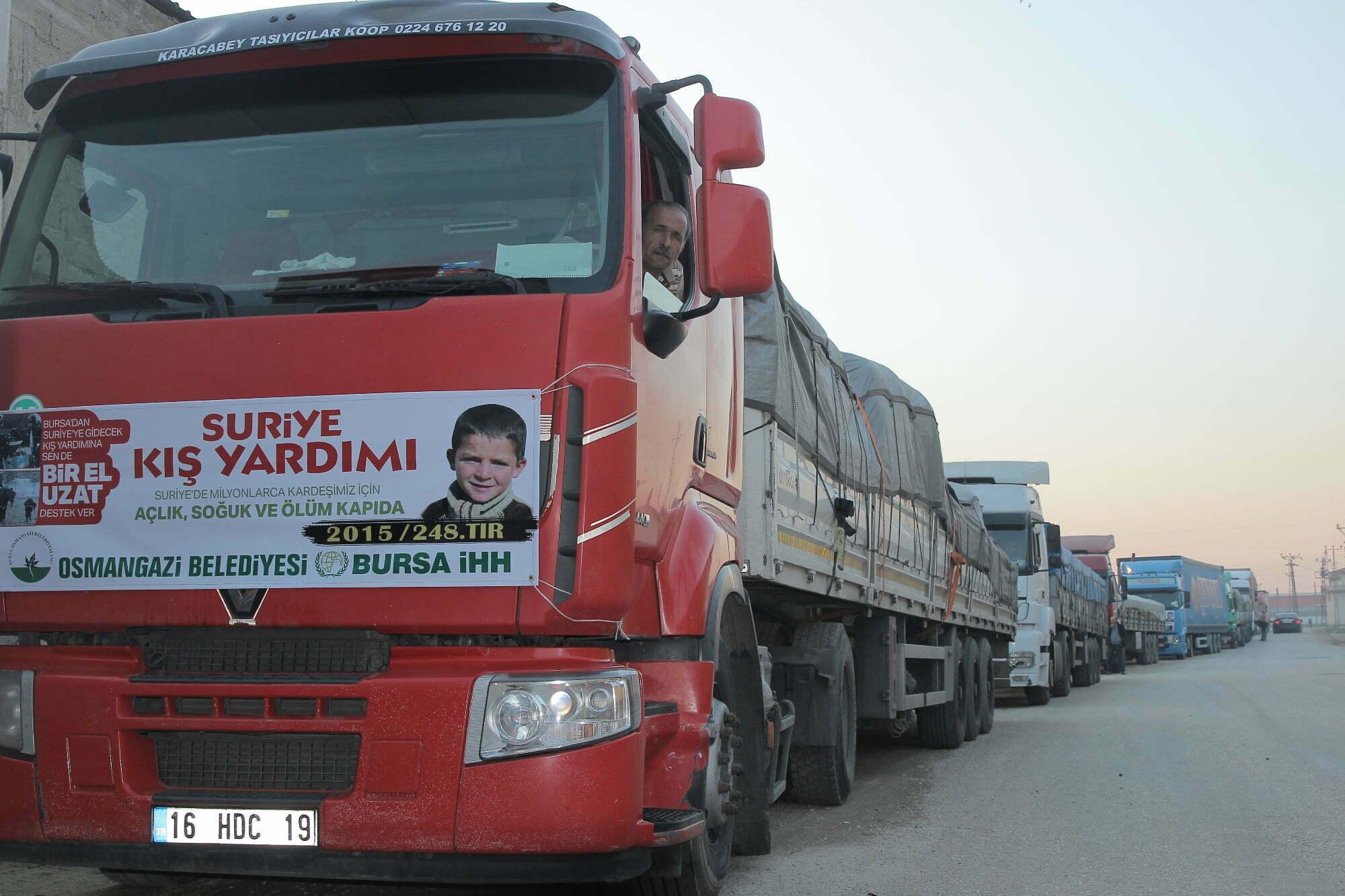 İHH'dan Suriye'ye  70 TIR yardım