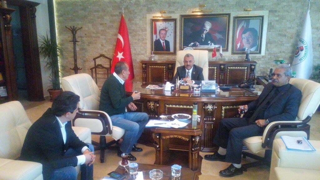 Başkan Şanverdi, Reyhanlı Halkını Sevgi İziyle Tanıştırıyor