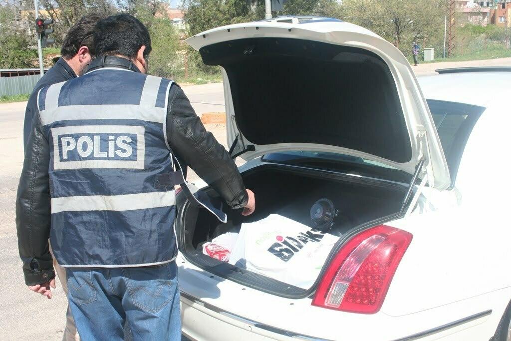 Reyhanlı'da Polis Suriye Plakalı Araçlarda Denetimleri Arttırdı