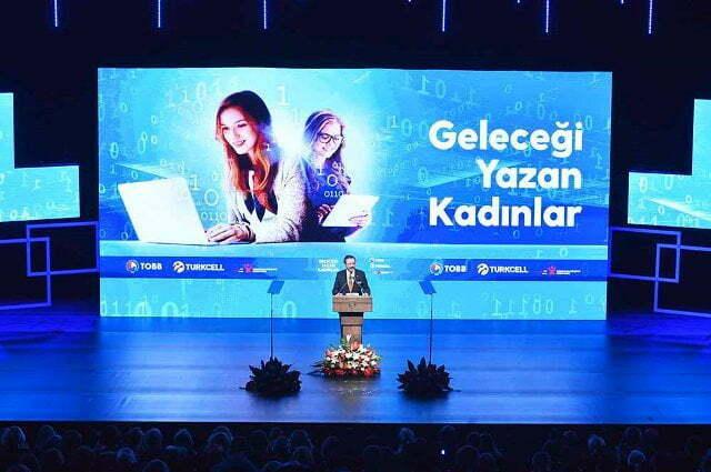 TOBB Kadın Girişimciler Kurulu ve Turkcell iş birliğiyle başlatılan Geleceği Yazan Kadınlar Projesi Hatay'da da hayata geçiriliyor