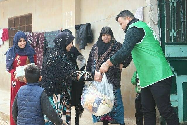 Suriyeli yetim ailelerine yardım