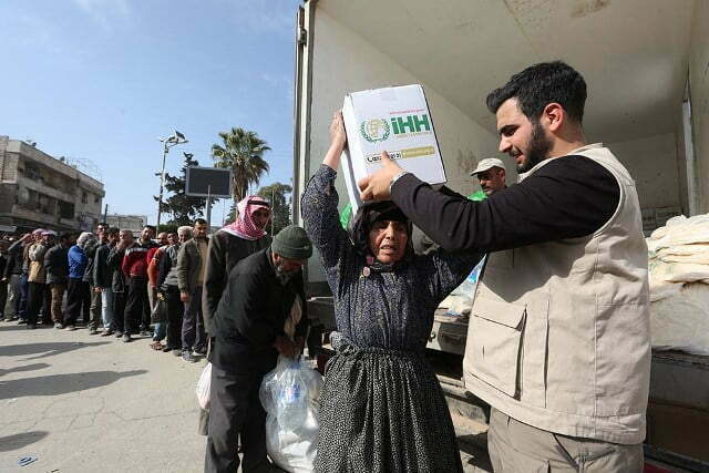 İHH'dan Suriye'ye dev yardım