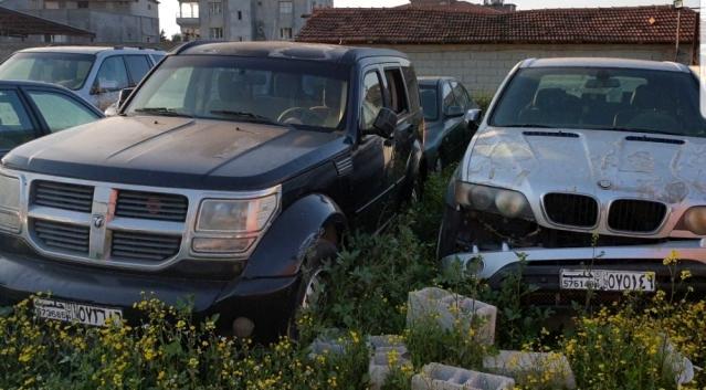 Avrupa'dan çalınan  milyonluk lüks araçlar çürümeye terk edildi