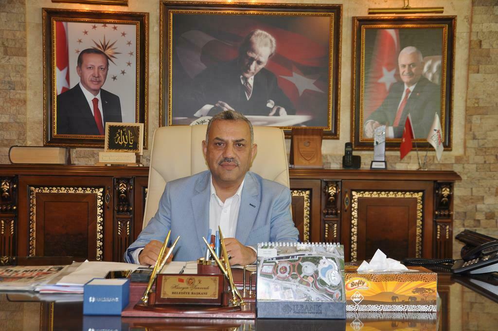 """Başkan Şanverdi; """"Alt yapısı tamamlanan yolları onarıyoruz"""""""
