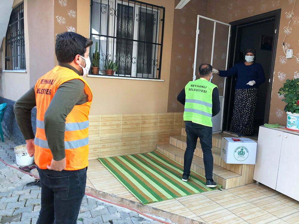 Reyhanlı Belediyesi Salgınla mücadele ekibi çalışmalarına devam ediyor
