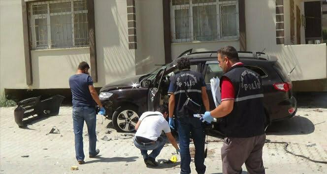 Hatay'da aracı patlatılan muhalif komutan hayatını kaybetti